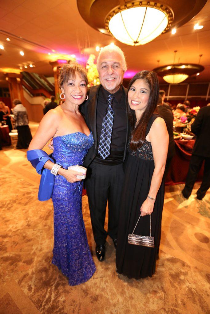 Evelyn and Bill Lamden with Lori Walton.JPG