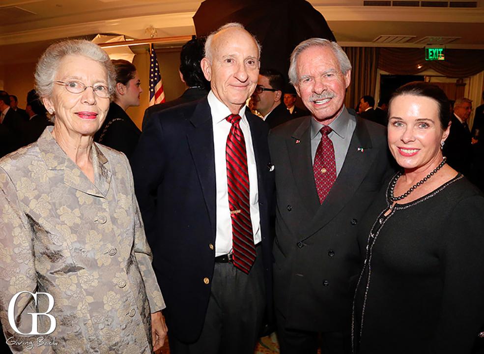 Evelyn y Ernest Rady con Ted y Heidi Gildred