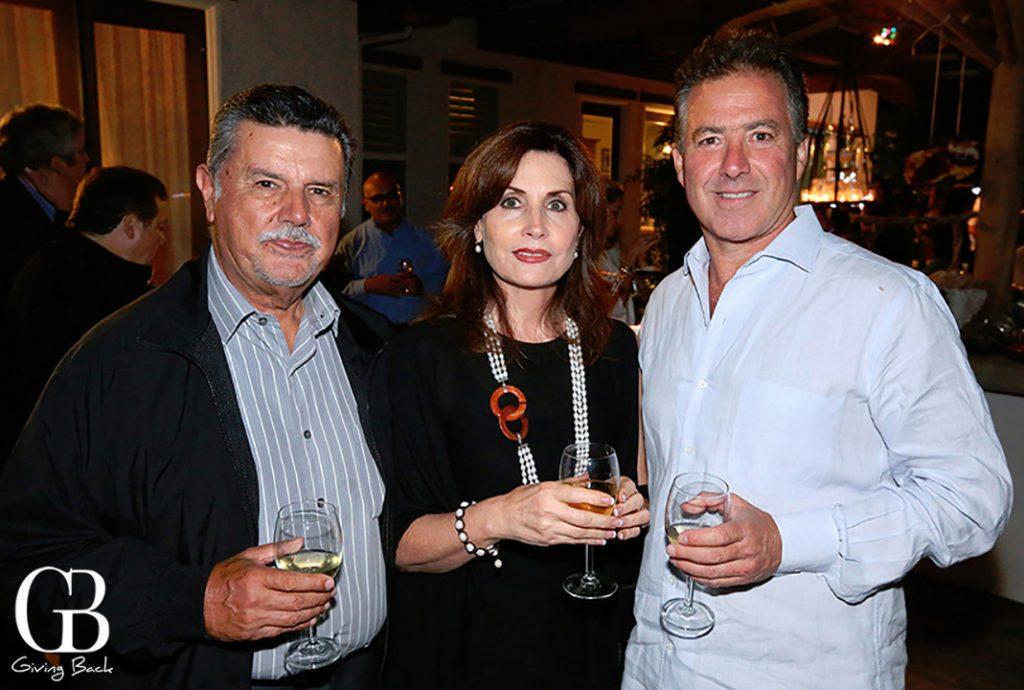 Fausto y Tere Gallego con Jose Honold