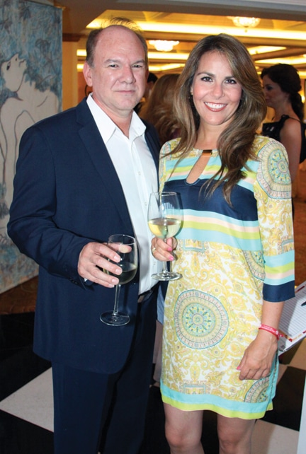 Fernando Mendoza y Viviana Ross.JPG