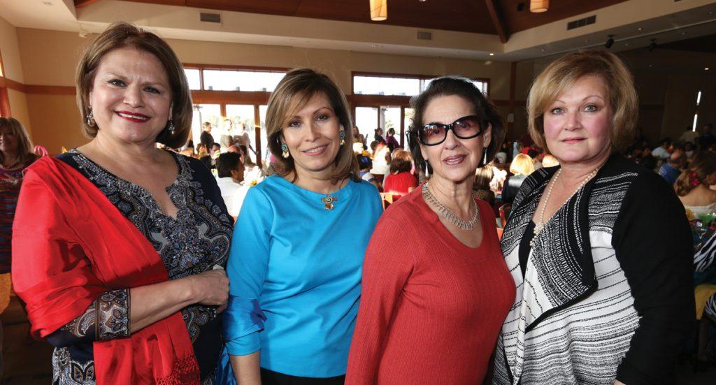 Francis Contreras, Consul Remedios Gomez Arnau, Georgina Serrano y Brunilda Zaragoza.JPG