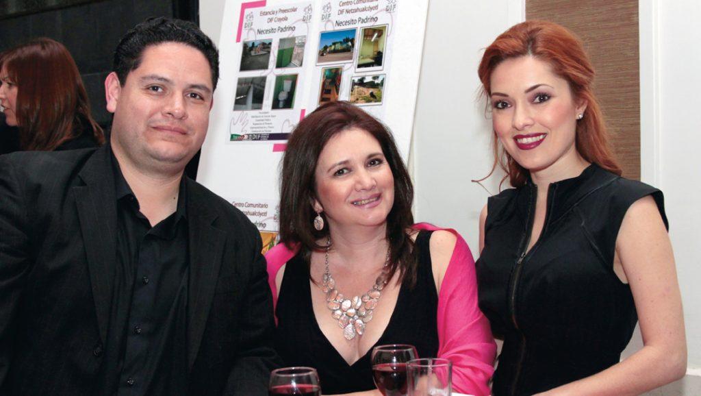 Gabriel Reyes, Gabriela Castro y Denise Flores