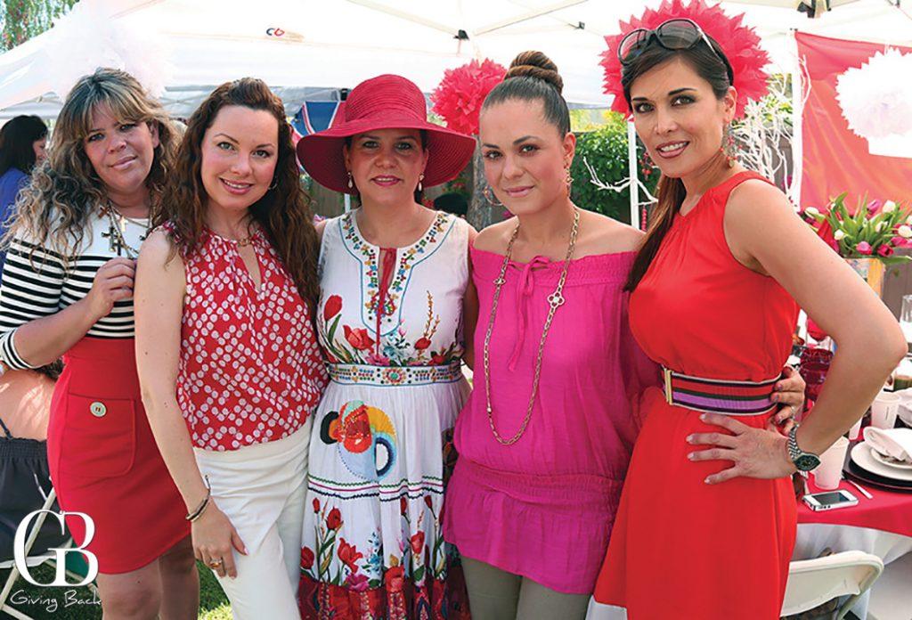 Gina Gomez  Emaluisa Bustamante  Carolina Bustamante  Roxana Verber y Glenda Kyriakides