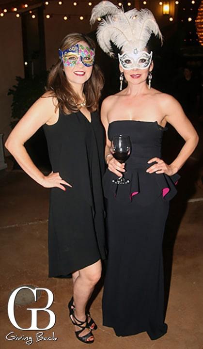 Gladys Batiz y Leticia Derr