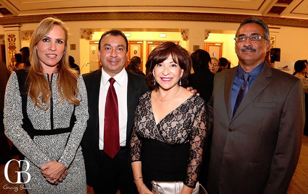 Gladys Esponda  Arturo Moreno  Mary Salas and Eloy Villa