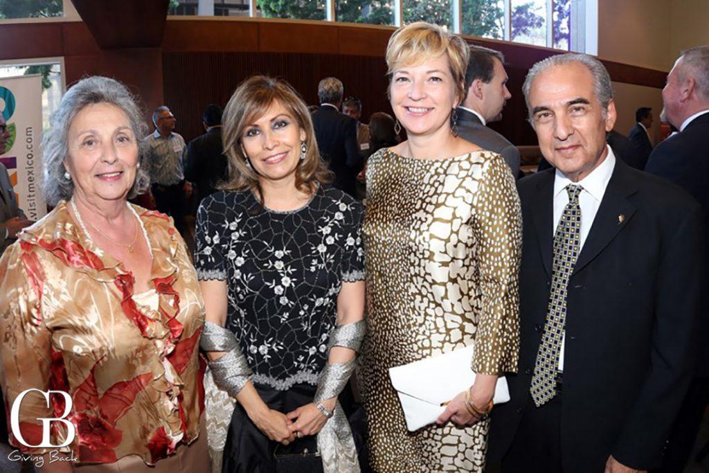 Hon. Consul Maria de Los Angeles  Consul Remedios Gomez Arnau  Consul Lisa Stockley y Hon. Consul Gregorio Goldstein