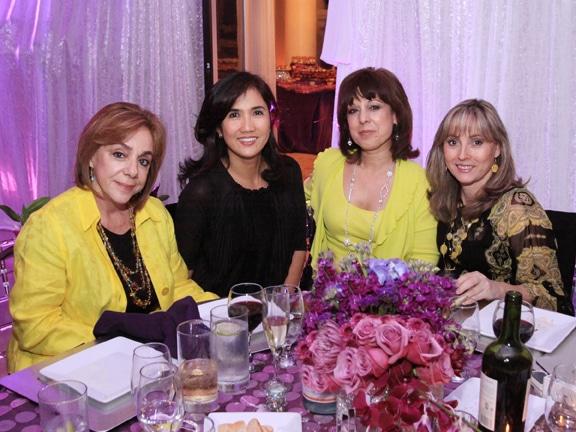 Ivonne Pineda, Zenaida Fimbres, Mary Garcia y Rosa Lorena Callu.JPG