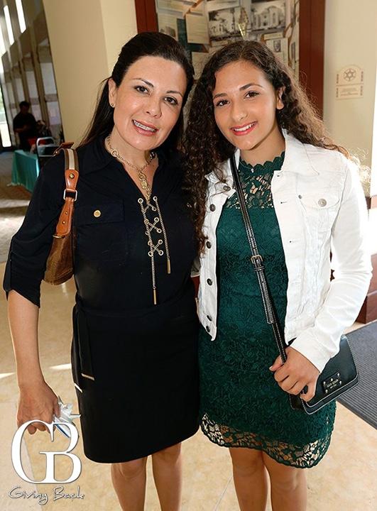 Jenny and Ariella Feinberg