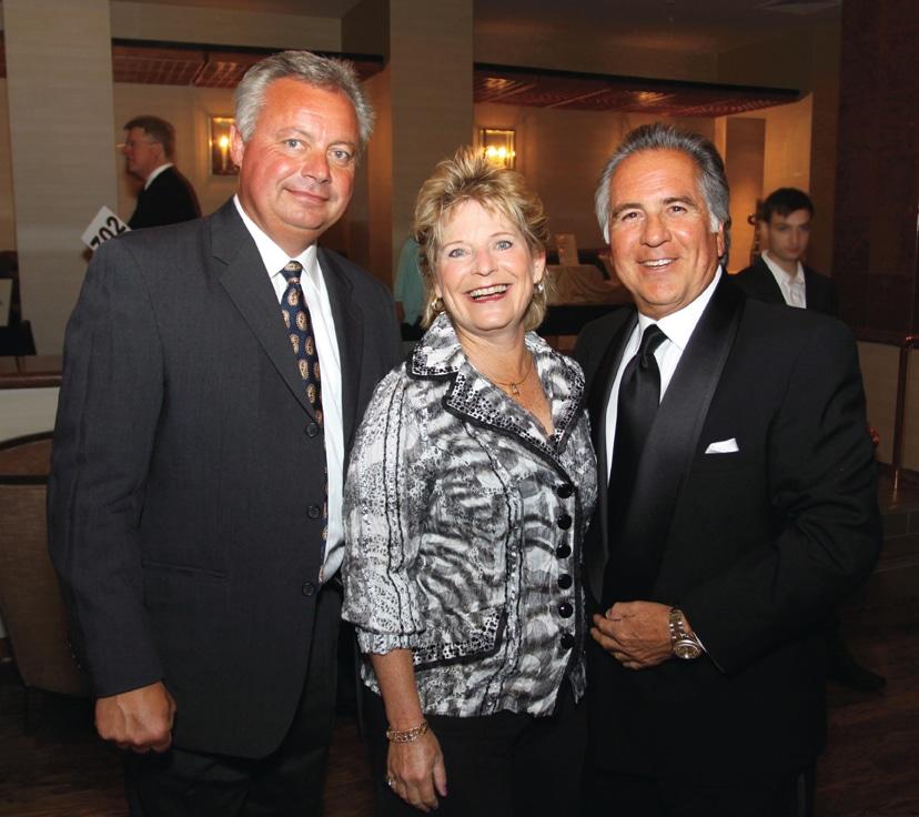 Joe with Susan and Tony Perez.JPG