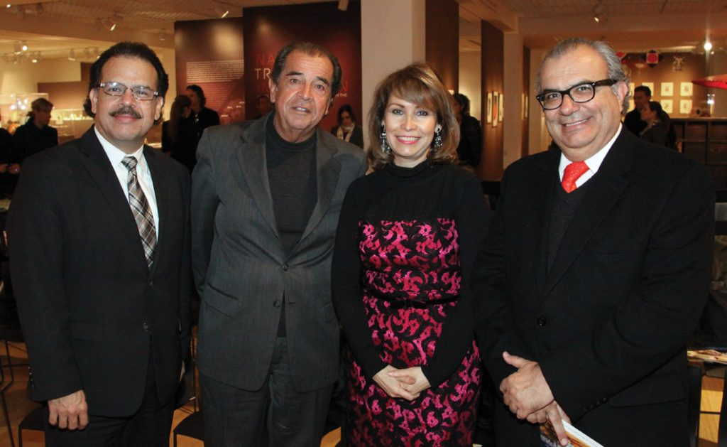 Jose Quinonez, Roberto Cornejo, Consul Remedios Gomez Arnau y Pedro Ochoa.JPG