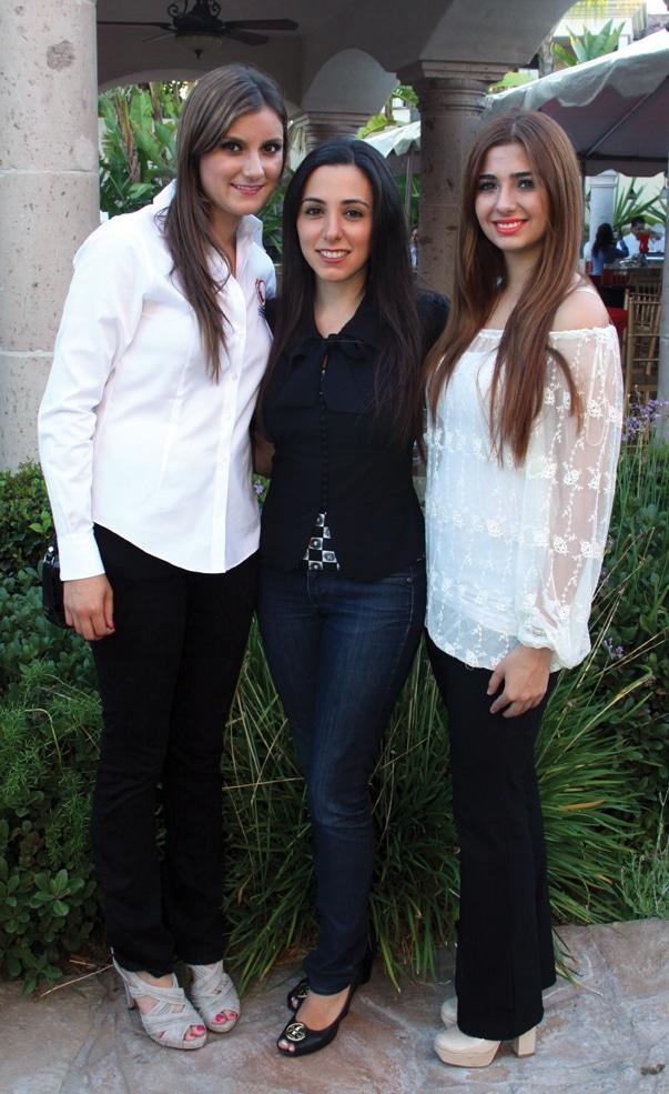 Julia Encinas, Hannah Jaff y Natalie Bosdet.JPG