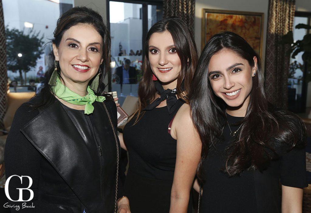 Julia Encinas  Giuliana Encinas and Lucy Carrancedo