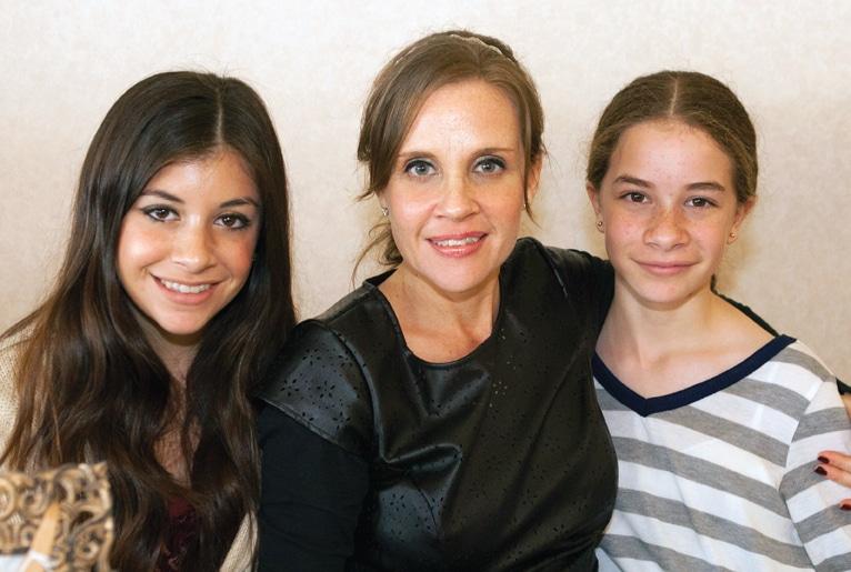 Karen, Karen y Maria Mejia
