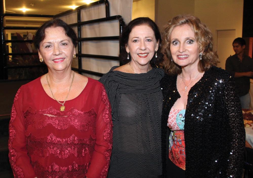 Karen Rodriguez, Cristina Rodriguez y Rosamelia Lopez Platt.JPG