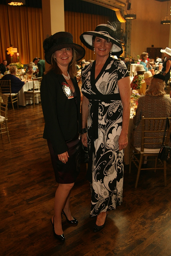 Karen Rowley and Carol Beth Rodríguez.JPG