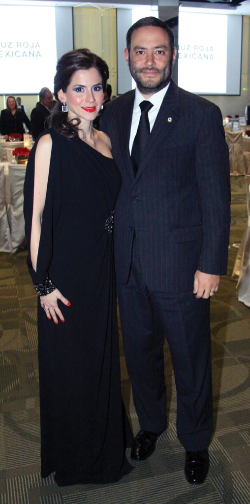 Karin y Hector Santillan.JPG
