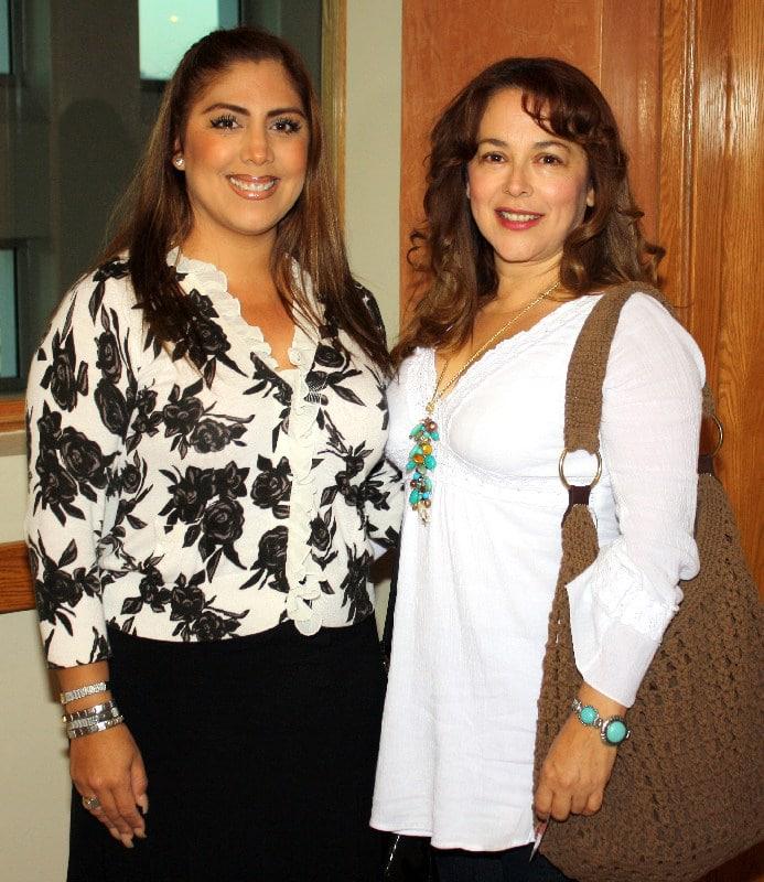 Karla Hoyos y Laura Carlos