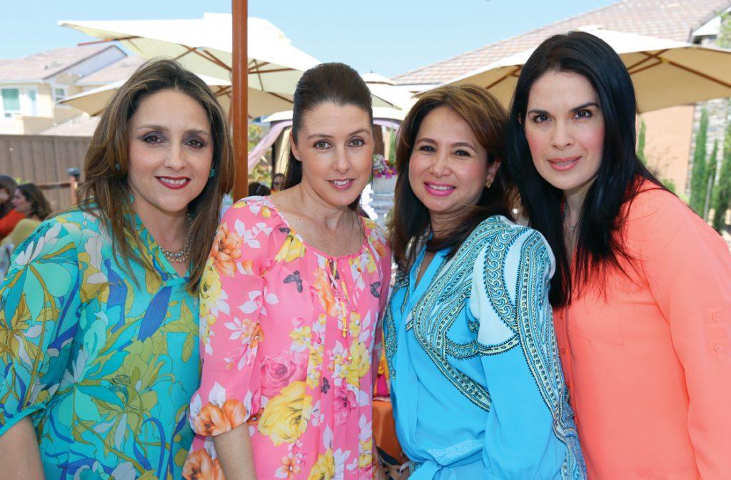 Laura Olguin, Gabriela Lopez, Claudia Limon y Karla Limon.JPG