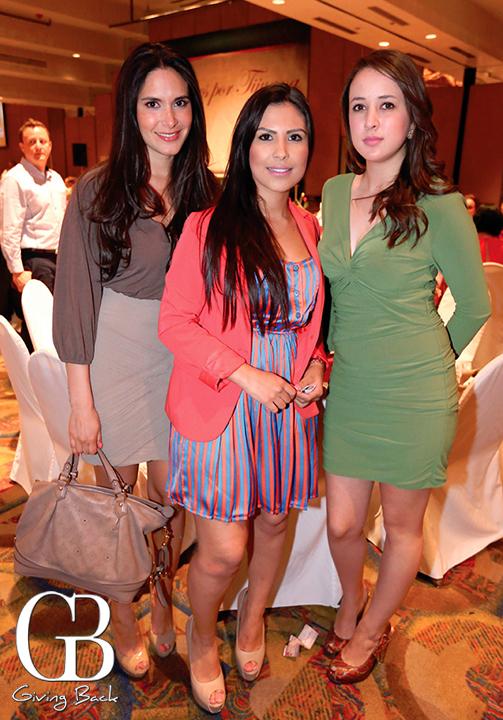 Laura Zamorano  Jessica Lau y Georgina Guzman