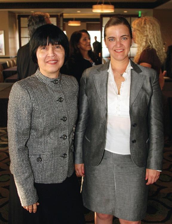 Lesbia Sotomayor y Gabriela Contreras.JPG