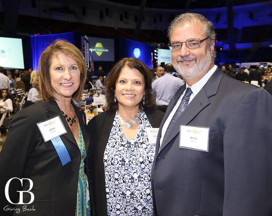Leslie Devaney with Lynne and Steve Doyle