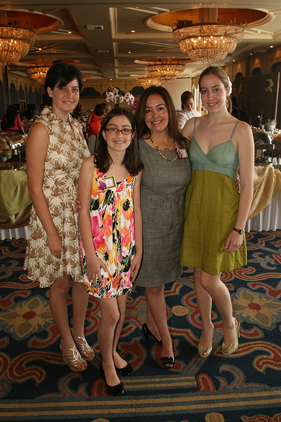 Lidia McNeil and her daughters.JPG