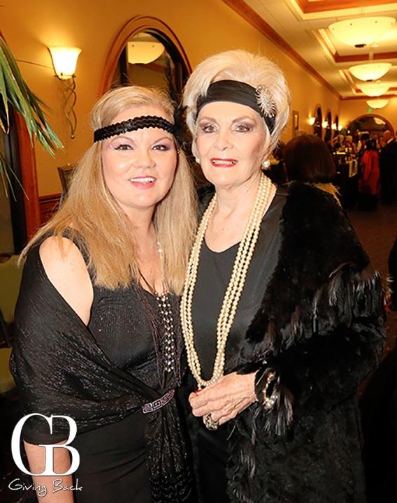 Lilia Larin y Raquel Rothscuh