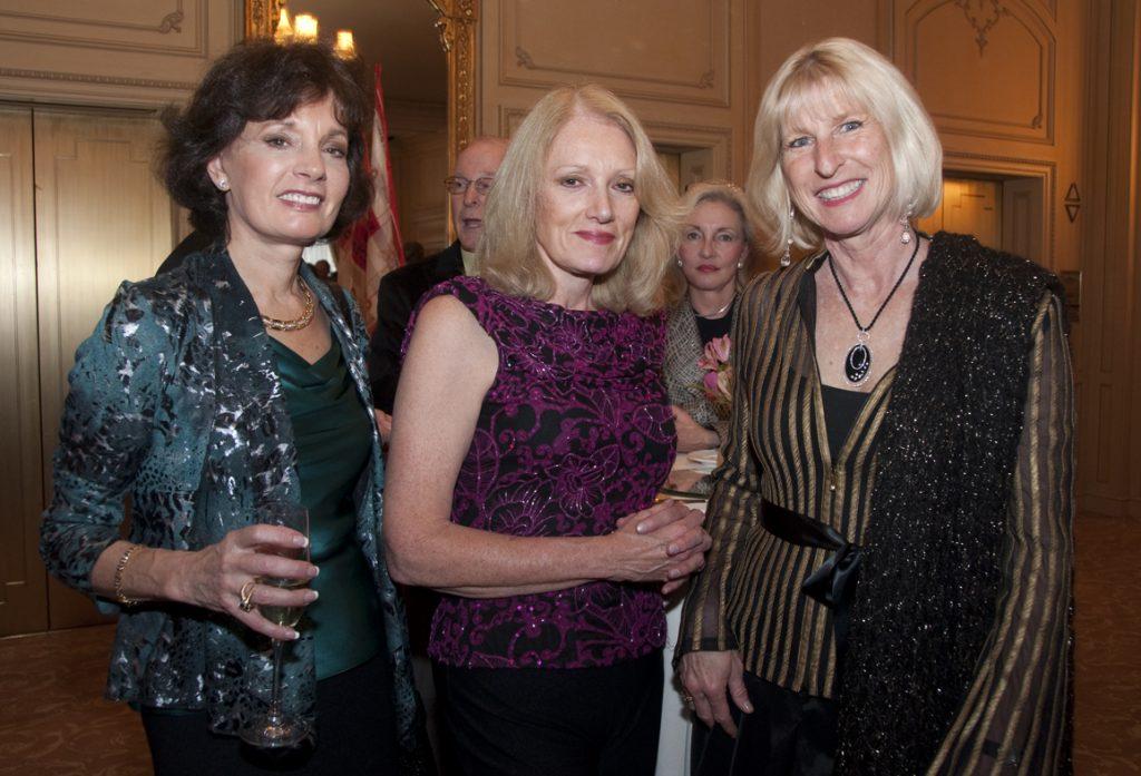Linda Satz, Martine Cardin and Mary Hart