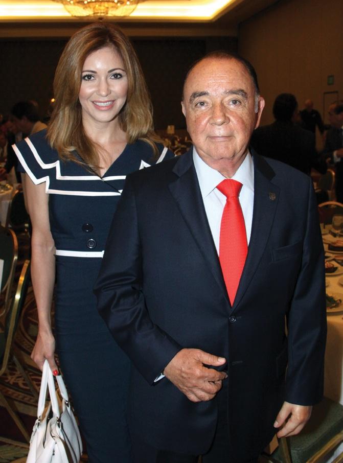 Lourdes Inzunza and Carlos Bustamante.JPG