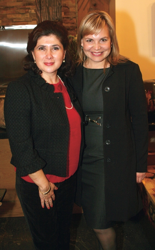 Lourdes Nun~ez y Myriam Melero.JPG