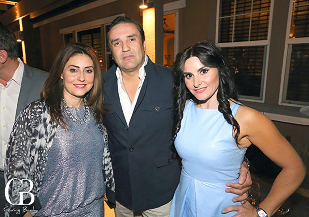 Lourdes Ruiz Dana con Ramon y Vicky Richard