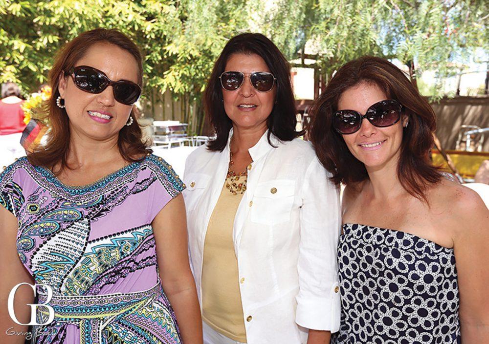 Lucy Alvarez Malo  Celia Hernandez y Rosina Carcoba