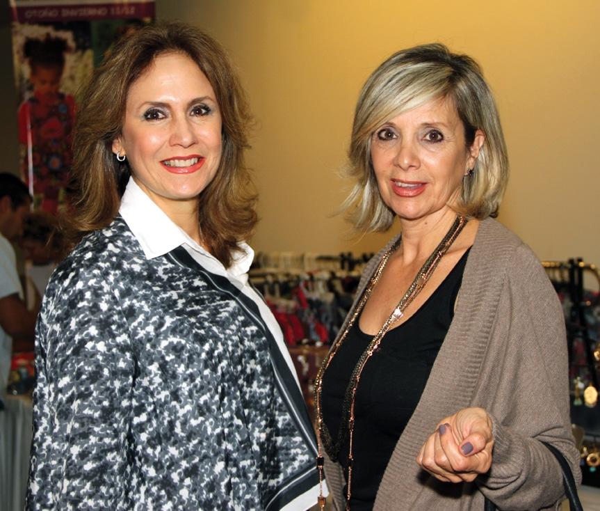 Lupita Fimbres y Cecilia Macklis.JPG