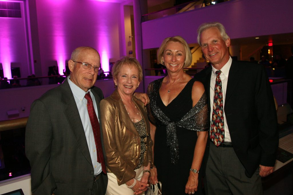Lyle and Sue Kalish with  Nique and Jan Waluk.JPG