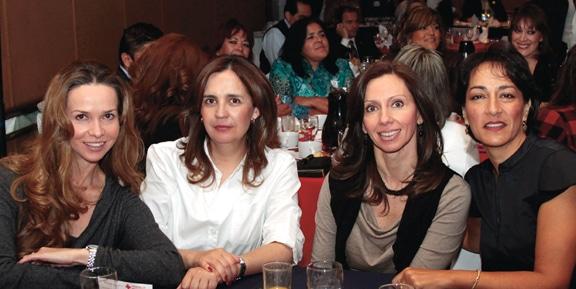 Marcela Espinoza, Grace Garcia, Akriby Valladolid y Veronica Bustamante.JPG