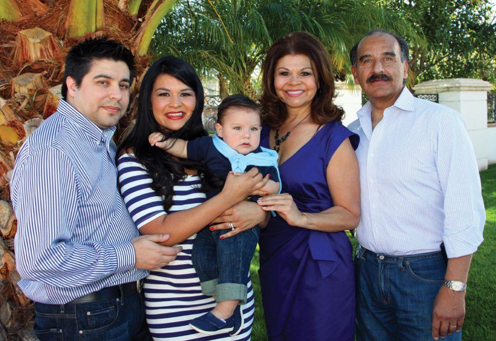 Marco Antonio Torres with Marissa, Espie and David Bejarano.JPG