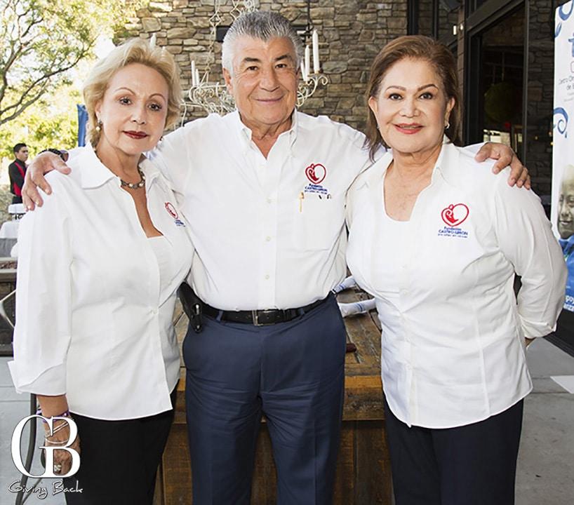 Margarita y Roberto Castro con Hermelinda Limon