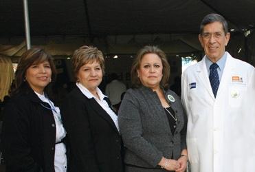 Maria Carrillo, Candelaria Lopez, Carmina Milan y Jose Guadalupe Bustamante.JPG