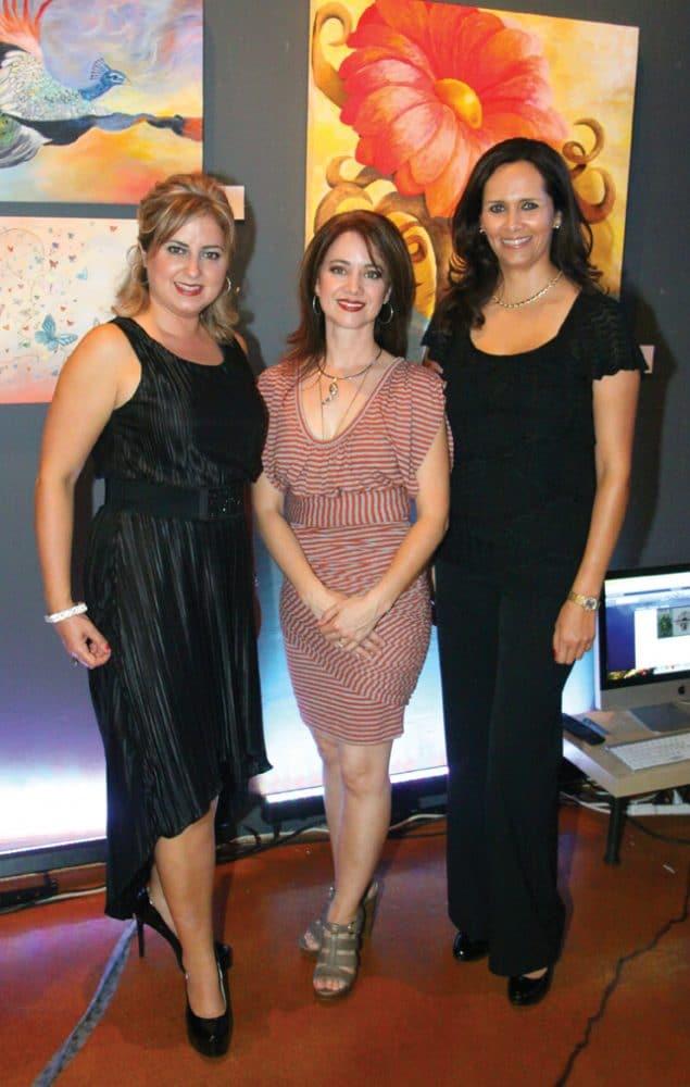 Maria Elena Lliteras, Haydee Laborin y Claudia Blanco.JPG