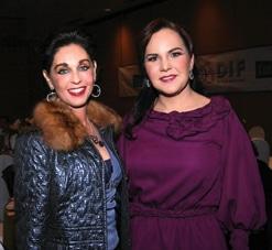 Maria Elvia Hank y Carolina Bustamante.JPG