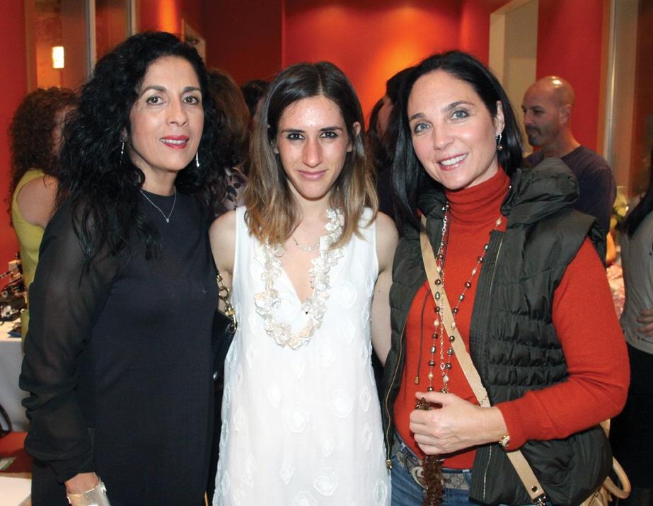 Maria Hecht, Carla Pascal Modiano y Helen Ancira.JPG