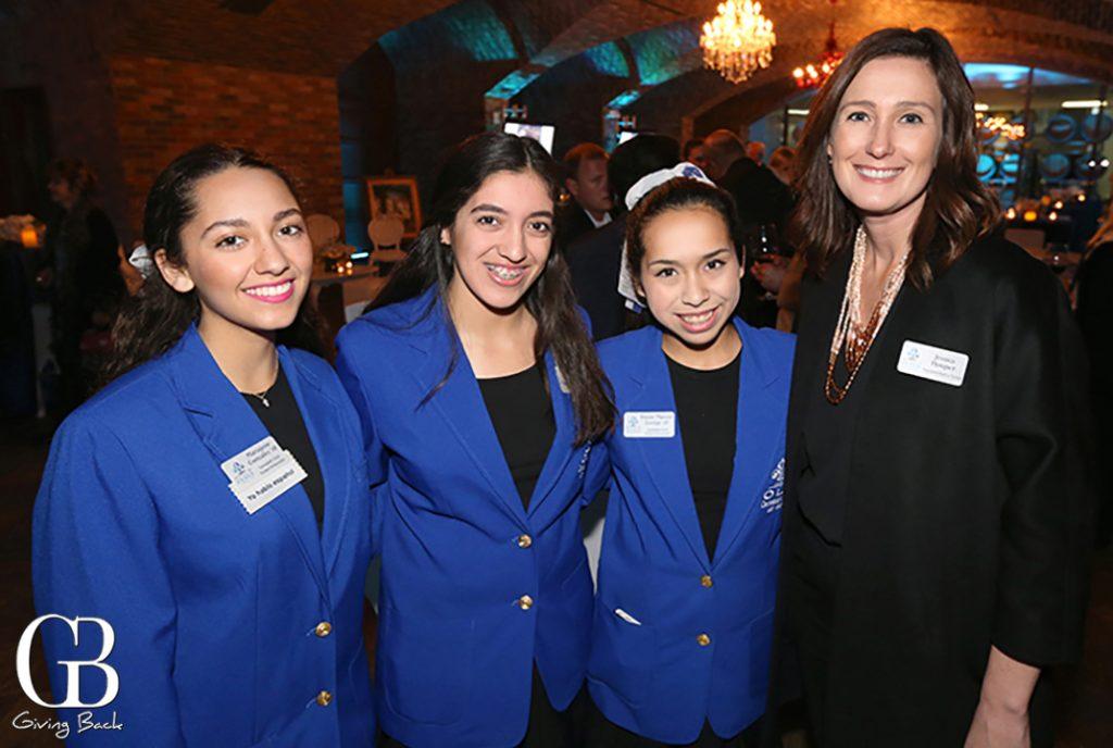 Maria Jose Gonzalez    Camila Tirado     Vivian Mateos Zuniga    and Jessica Hooper