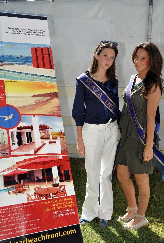 Mariana and Ximena from Plaza Del Mar.JPG