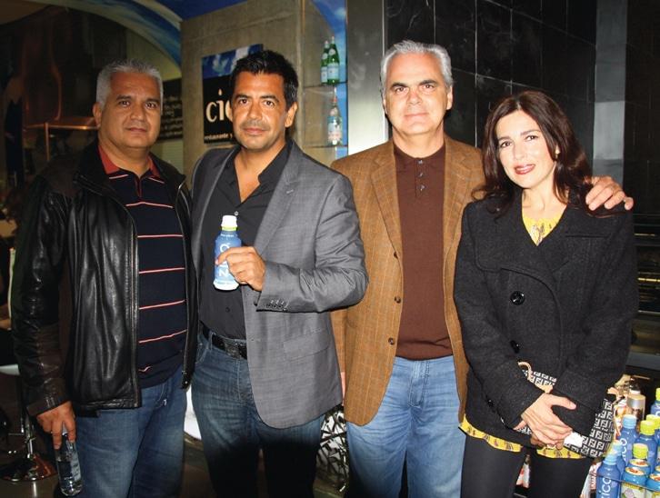 Mario Gonzalez, Javier Plascencia con Mariela y Gustavo Puffelis