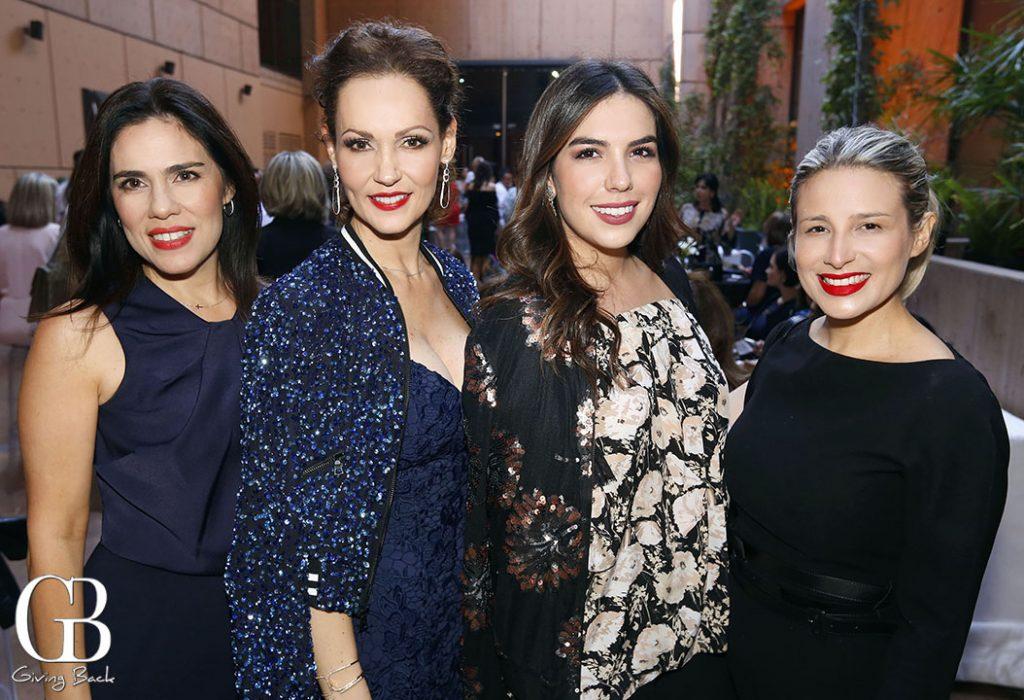 Marta y Claudia Ledesma con Alejandra y Cecilia Macklis