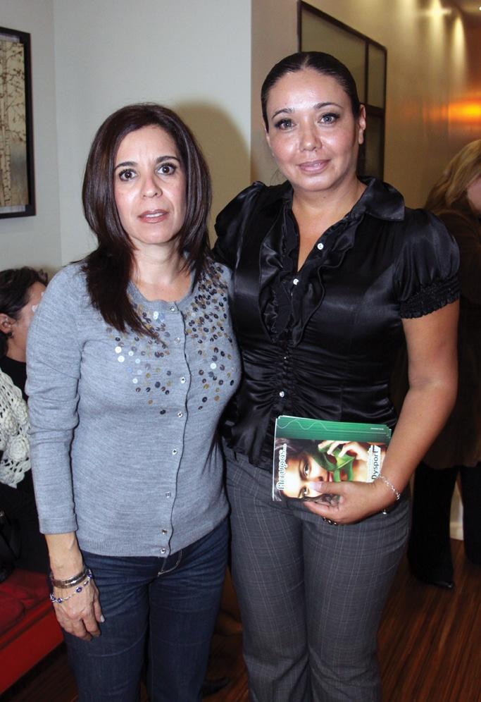Martha Meza y Nena Bustillos.JPG