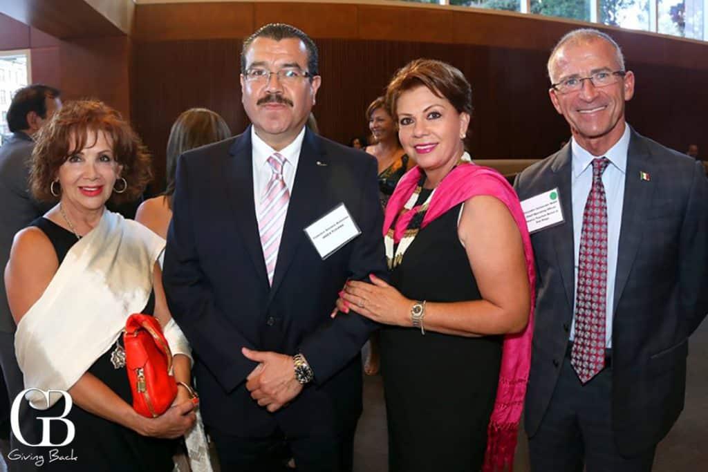 Martha Varela  Federico y Sarina Serrano con Alejandro Santander Habif