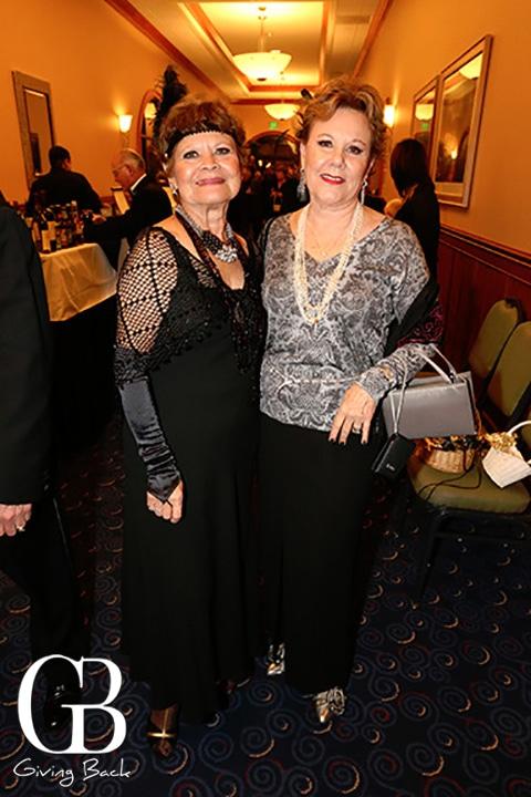 Mary Alicia Robinson y Miriam Vildosola