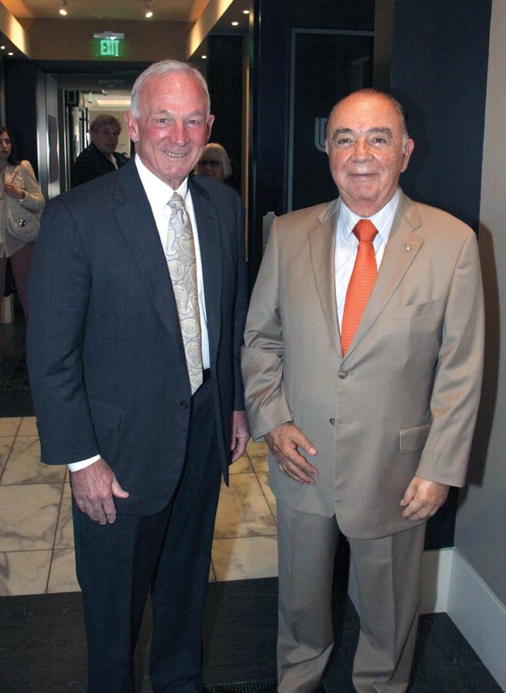 Mayor Jerry Sanders y Alcalde Carlos Bustamante.JPG
