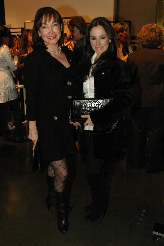 Mayra Leon and Iris Vildosola.JPG